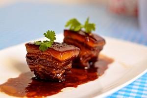Thưởng thức món thịt kho Đông Pha của Trung Quốc