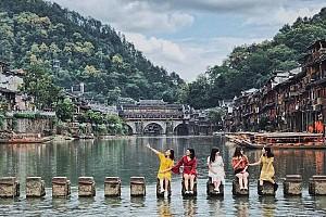 Trương Gia Giới - Phù Dung Trấn - Phượng Hoàng Cổ Trấn - Bay Khứ Hồi