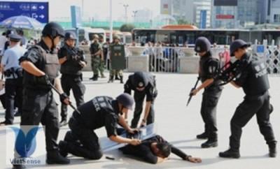Trung Quốc: bắt nhóm du khách nước ngoài nghi liên quan tới khủng bố