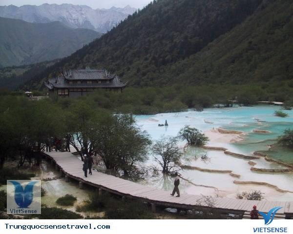 Khu Thắng Cảnh Hoàng Long,khu thang canh hoang long