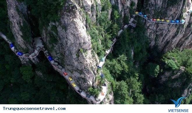 Lễ hội cắm trại trên độ cao 1000m tại Trung Quốc,le hoi cam trai tren do cao 1000m tai trung quoc