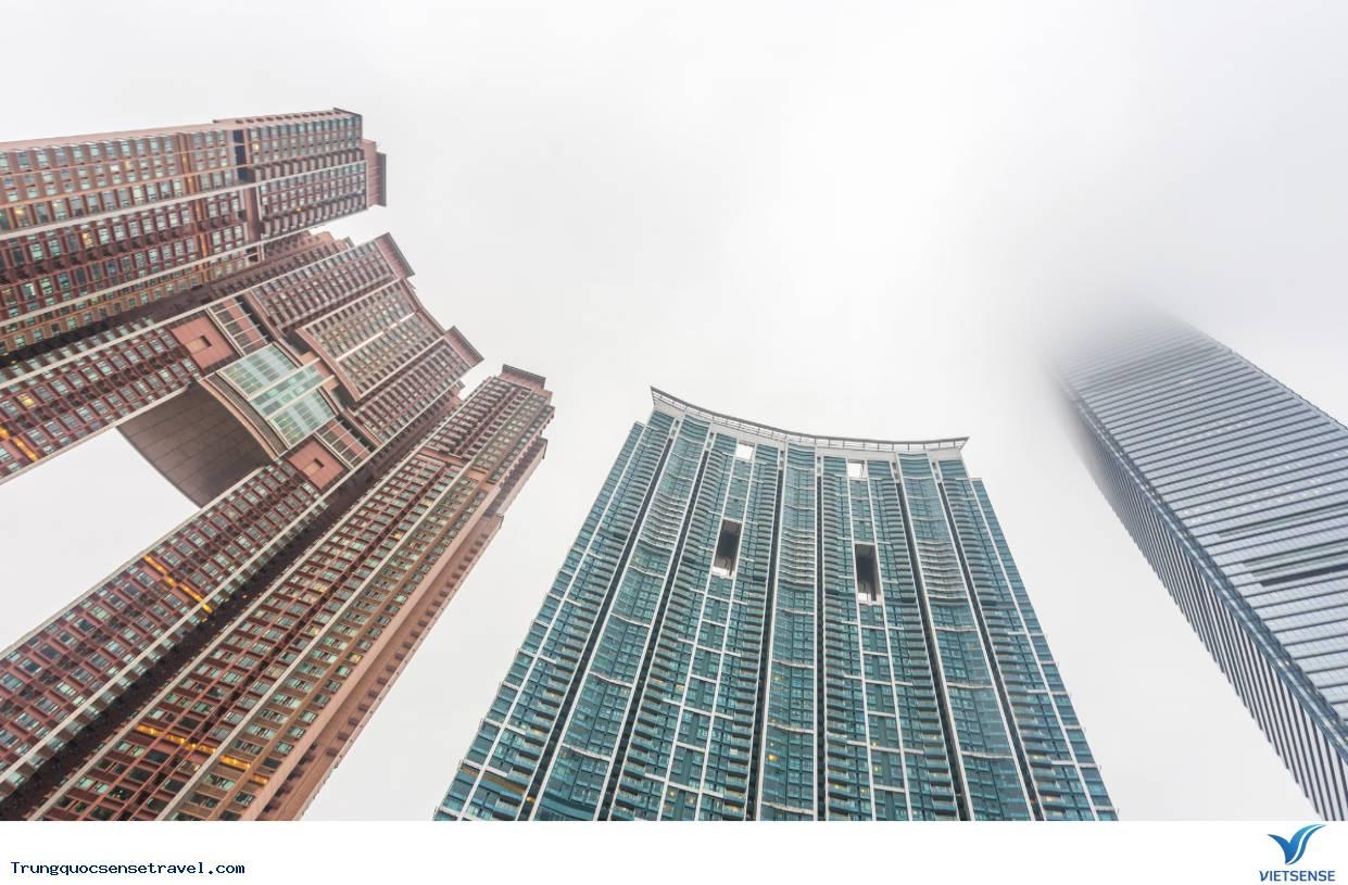 Sự thật thú vị của những lỗ hổng giữa các ngôi nhà cao tầng ở Hồng Kông,su that thu vi cua nhung lo hong giua cac ngoi nha cao tang o hong kong