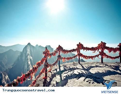 Trải nghiệm con đường leo núi nguy hiểm ở Trung Quốc,trai nghiem con duong leo nui nguy hiem o trung quoc